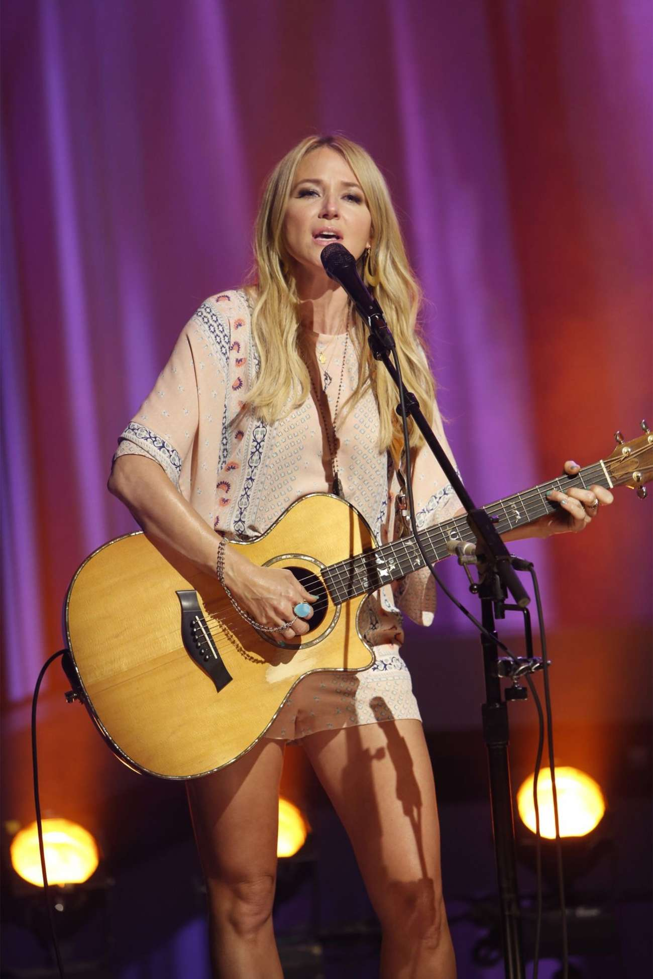 Jewel Kilcher Performs at Jimmy Kimmel Live in Hollywood