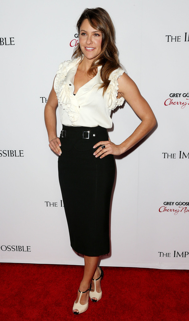 Jill Wagner The Impossible premiere in Los Angeles
