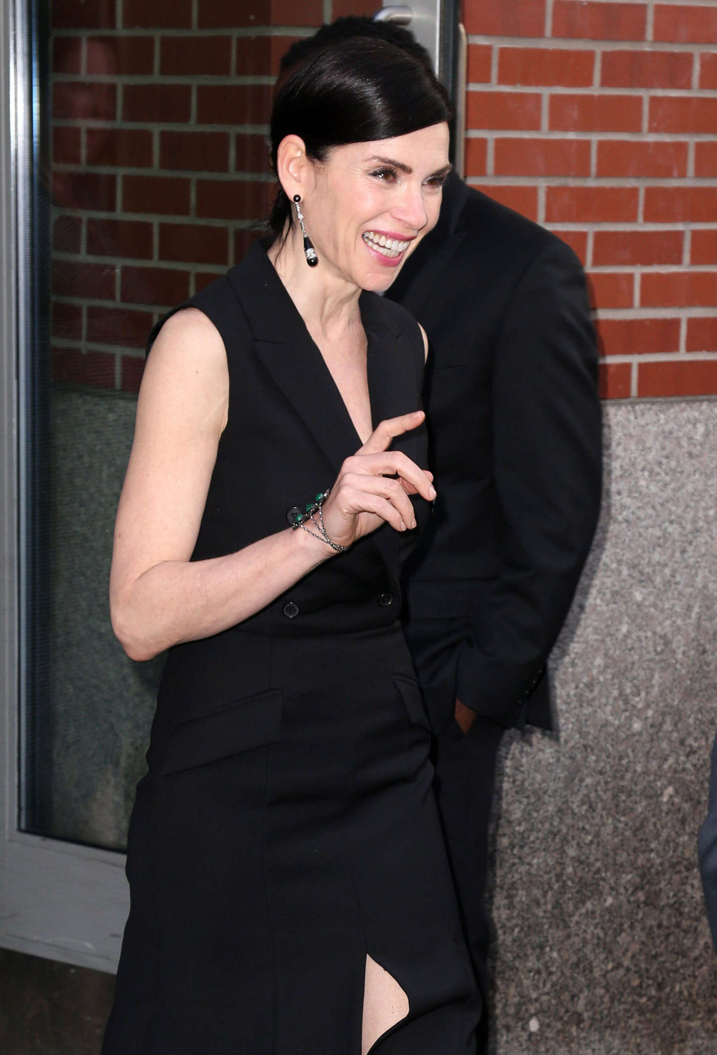 Julianna Margulies Leaving her apartment in New York