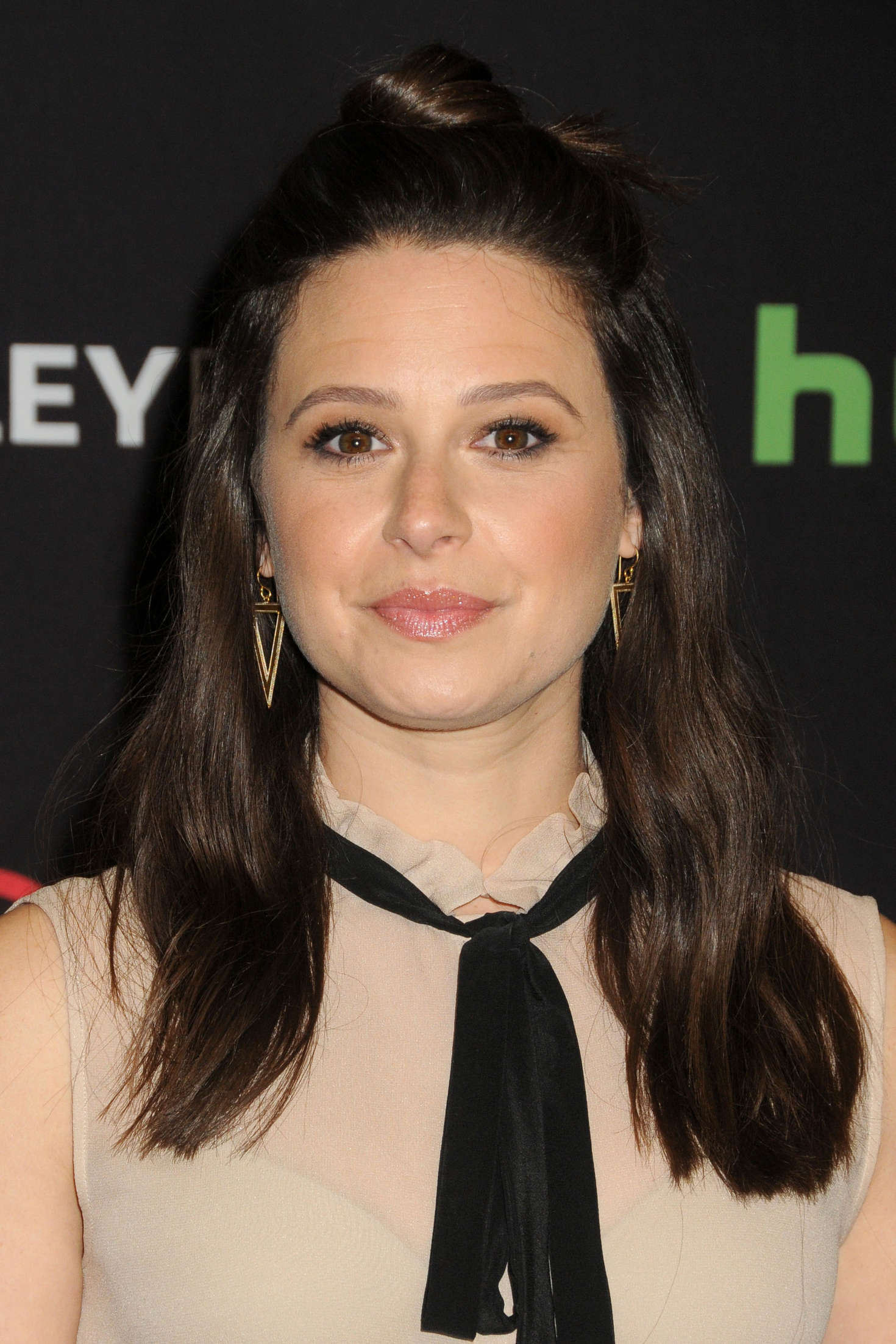 Katie Lowes Annual PaleyFest Scandal in Hollywood