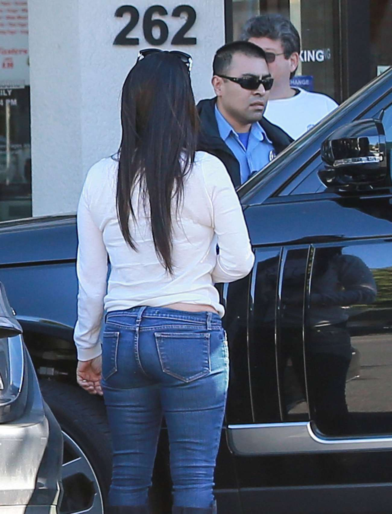 Kyle Richards in Skinny Jeans Shopping in Beverly Hills