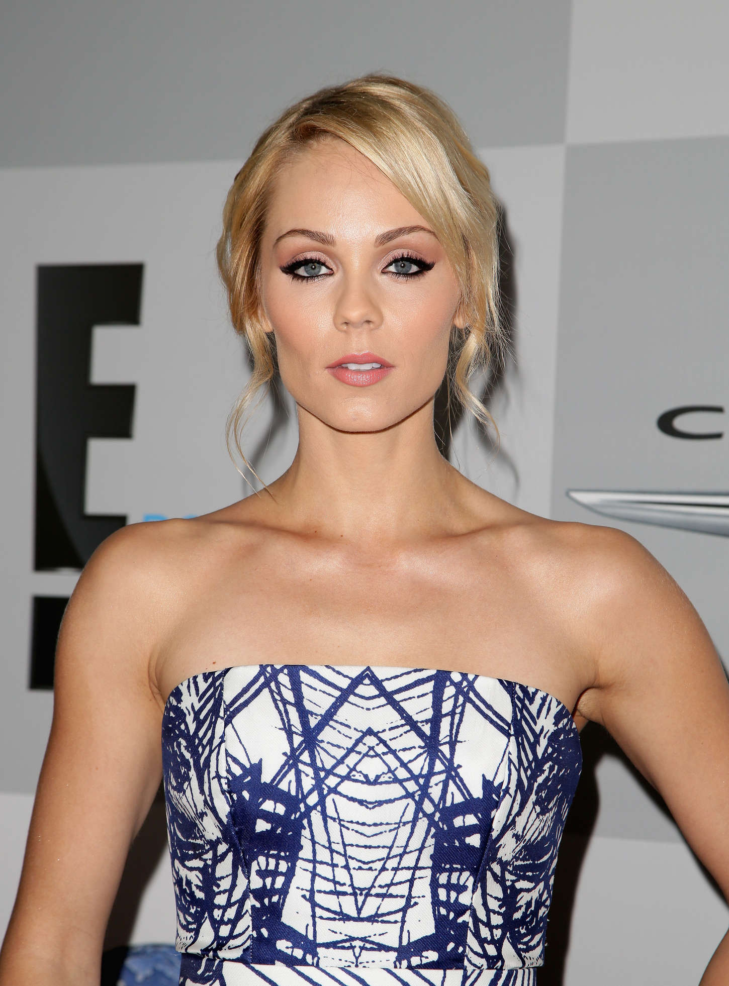 Laura Vandervoort NBCUniversal Golden Globes Party in Beverly Hills