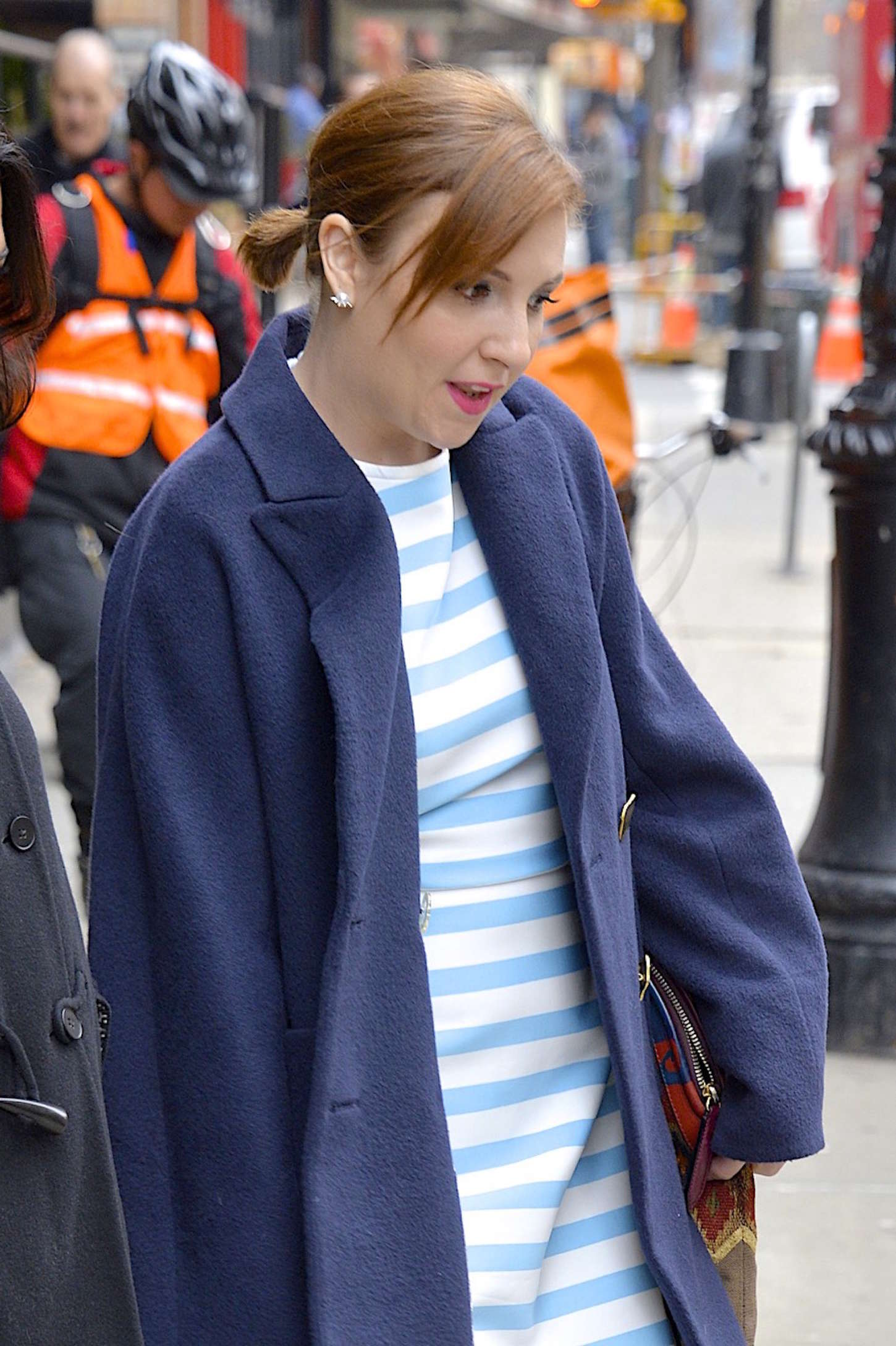 Lena Dunham Leaving her hotel in New York