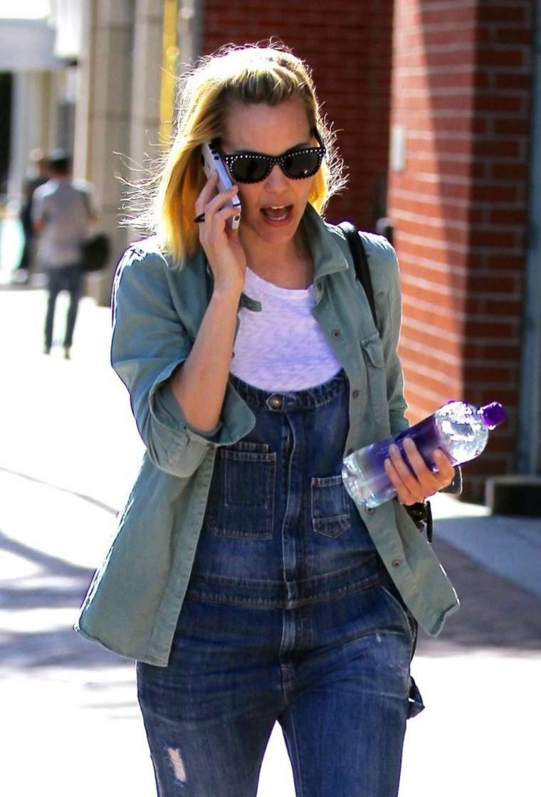 Leslie Bibb in Jeans out in Beverly Hills