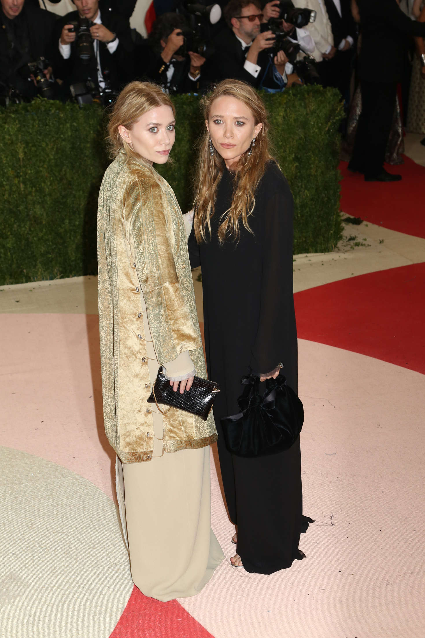 Mary-Kate and Ashley Olsen Met Gala in New York