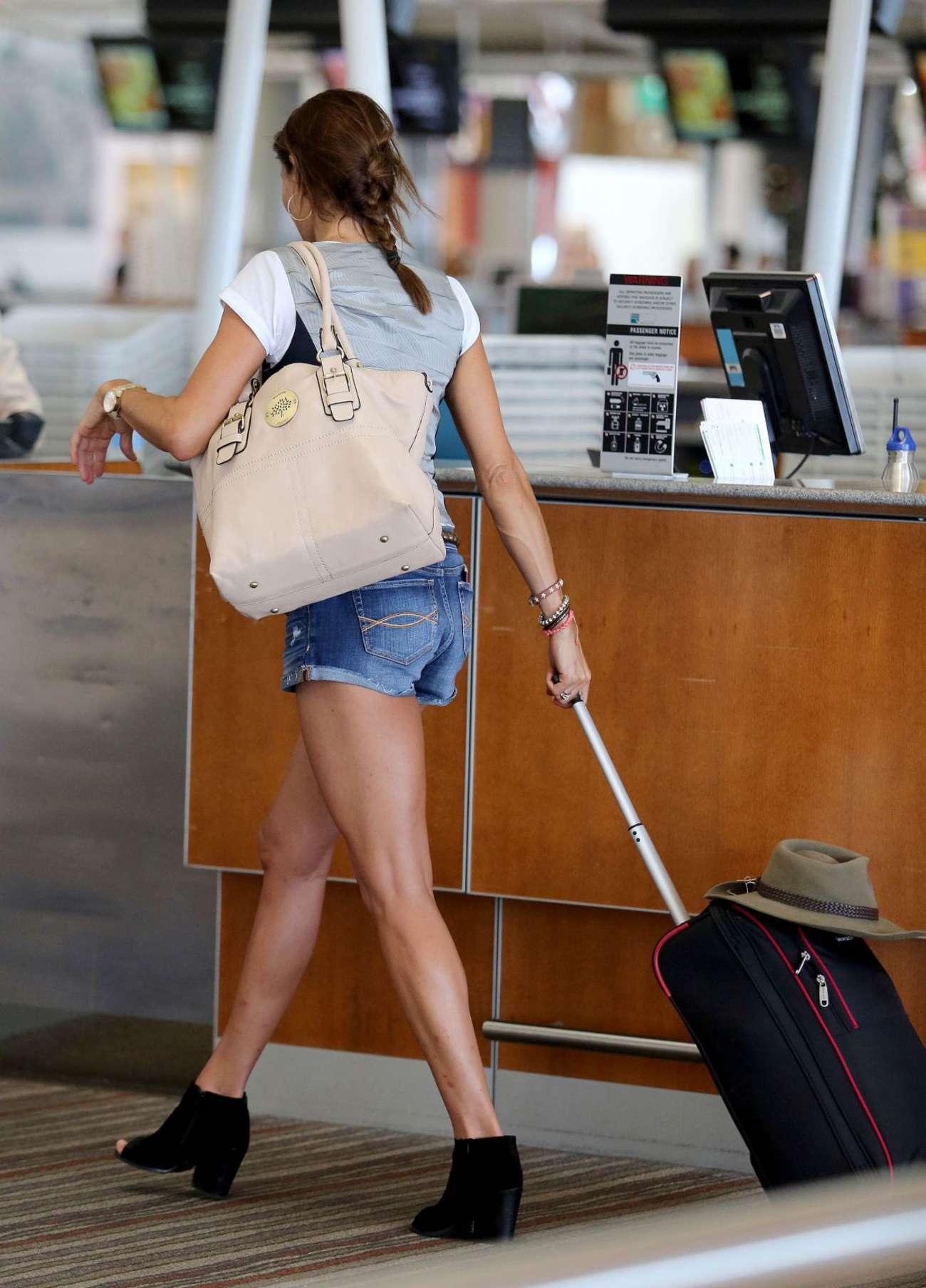 Melanie Sykes at Airport in Brisbane