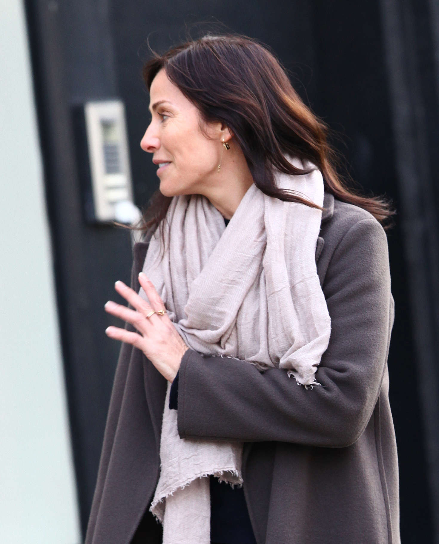Natalie Imbruglia Walking her Dog in London