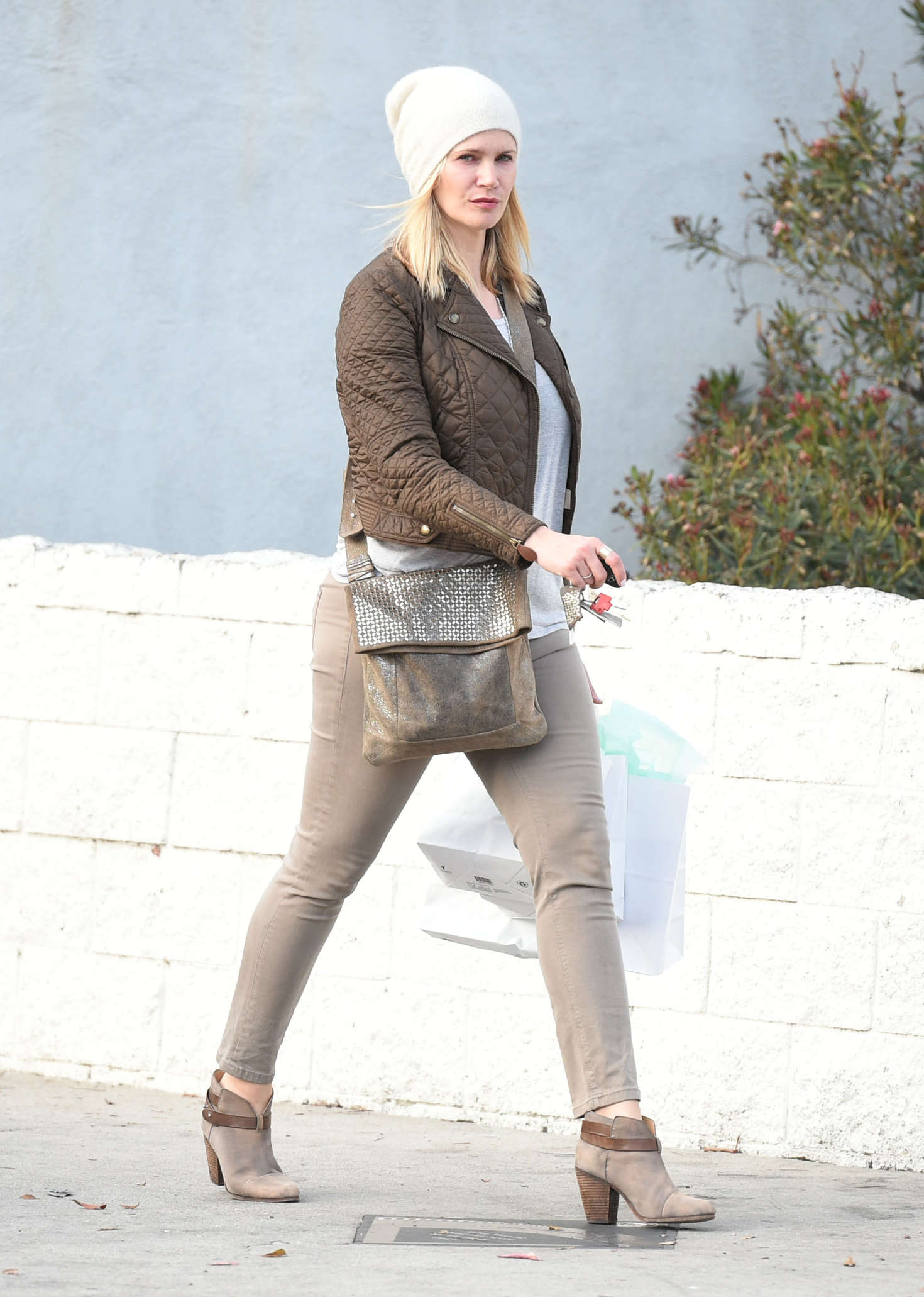 Natasha Henstridge Shopping in Studio City