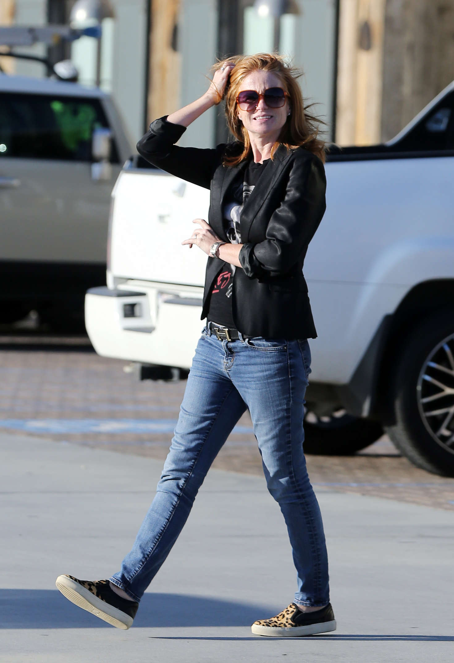 Patsy Palmer Shopping at Vintage Grocers in Malibu