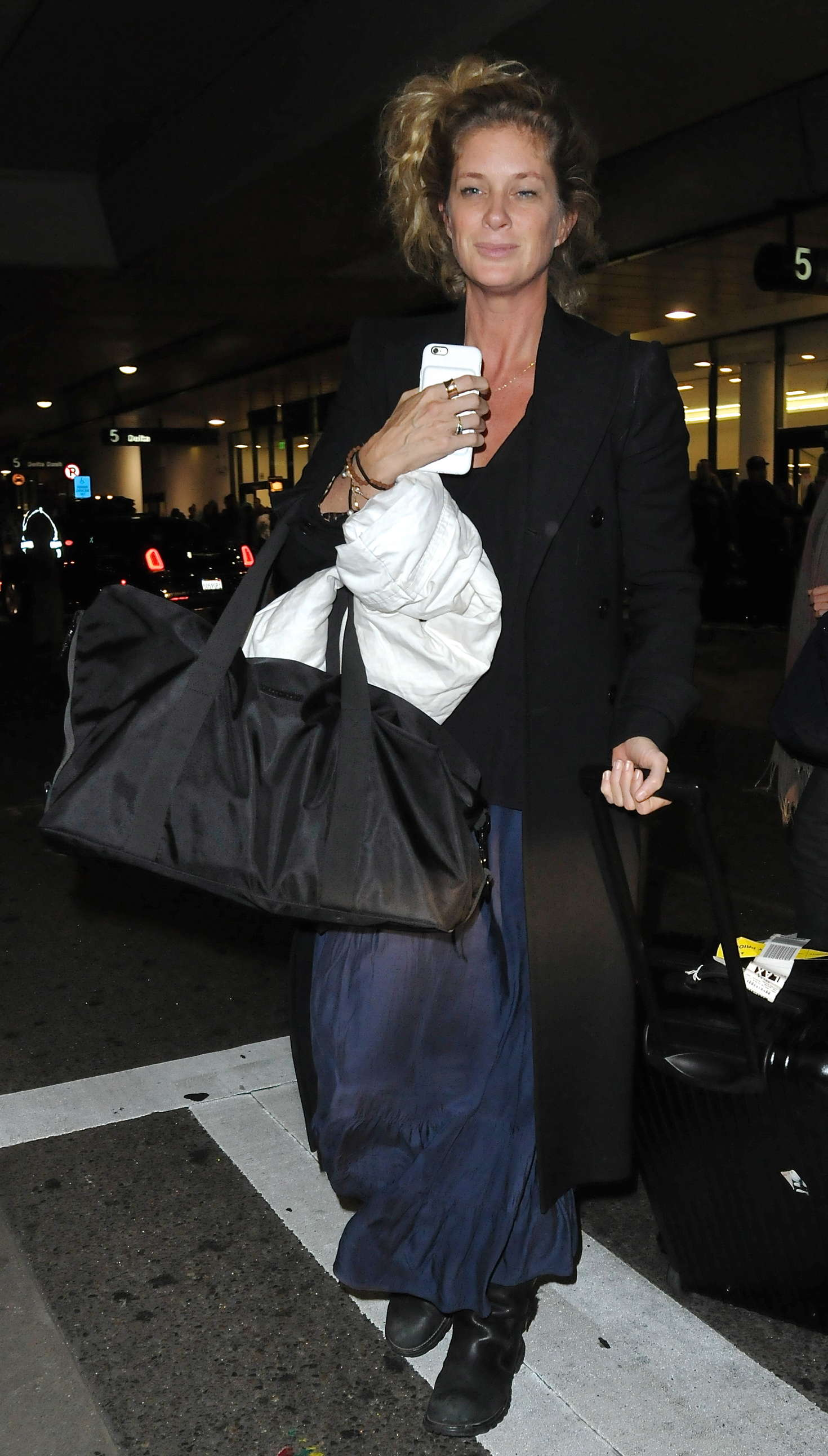 Rachel Hunter Arriving at LAX Airport in Los Angeles