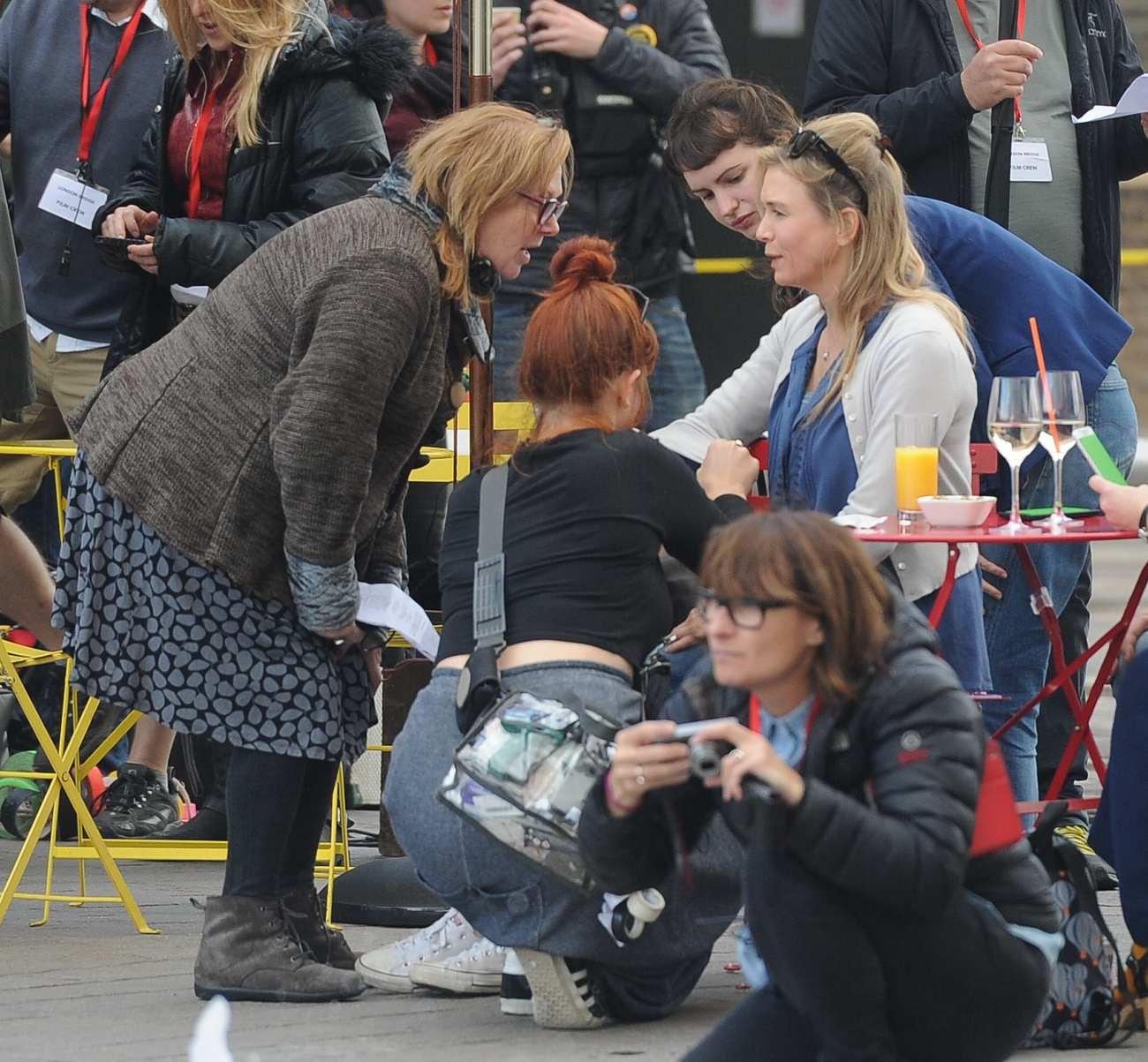 Renee Zellweger Filming Bridget Jones Movie in Kings Cross