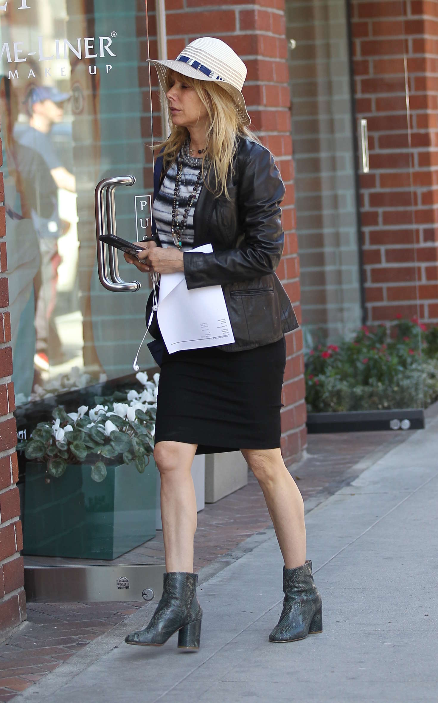 Rosanna Arquette Shopping in Beverly Hills