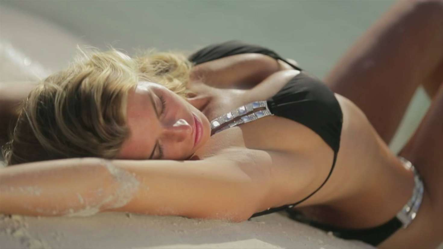 Samantha Hoopes World Swimsuit