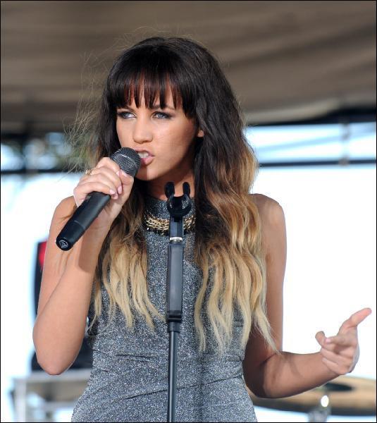 Samantha Jade performing at Manly Beach