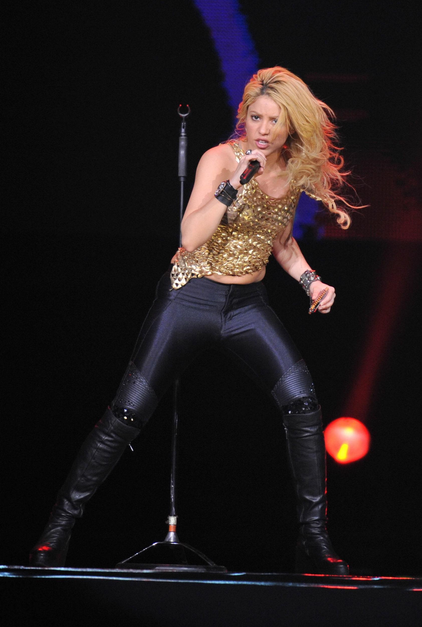 Shakira Performing at Nice France