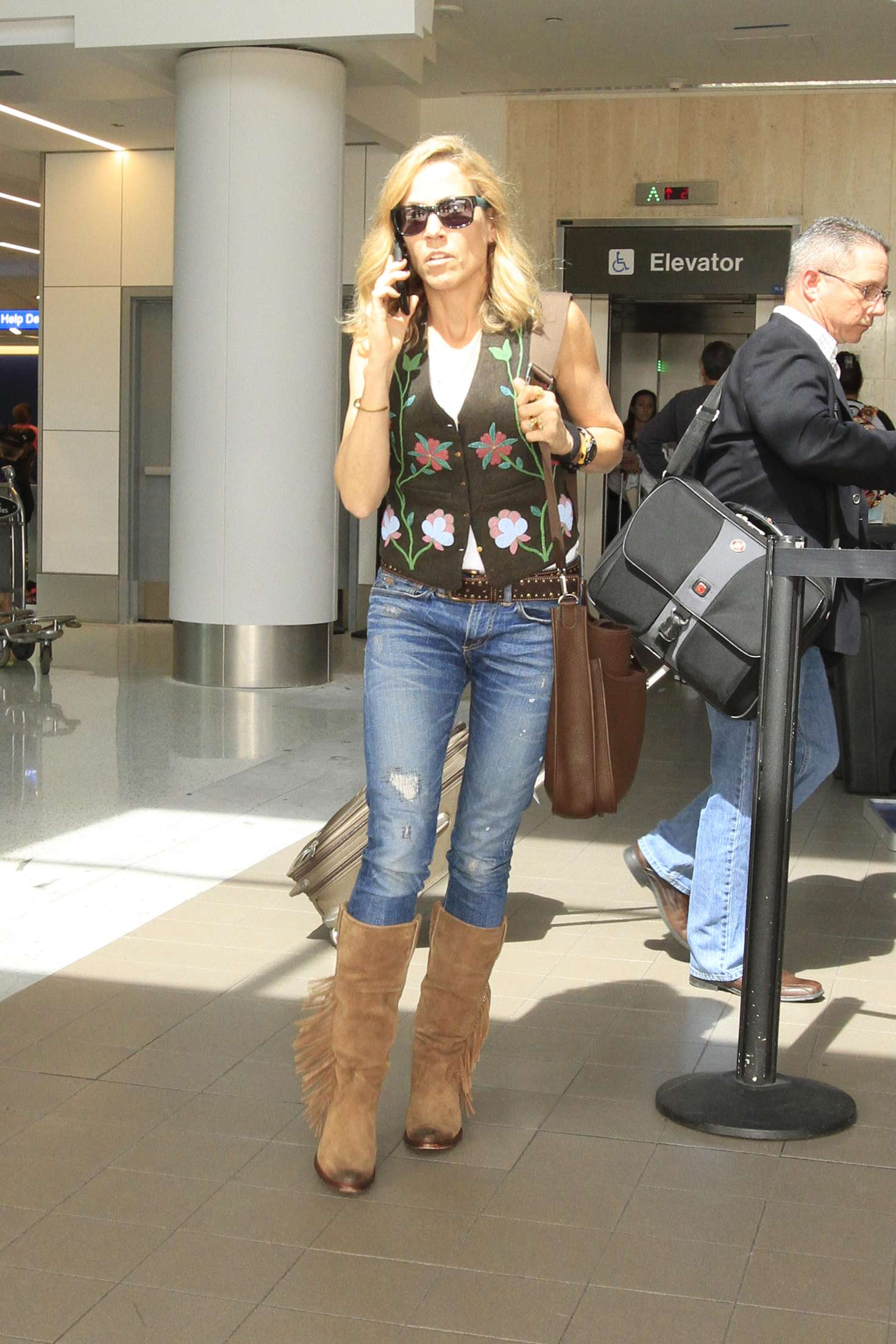Sheryl Crow Arrives at LAX Airport in Los Angeles