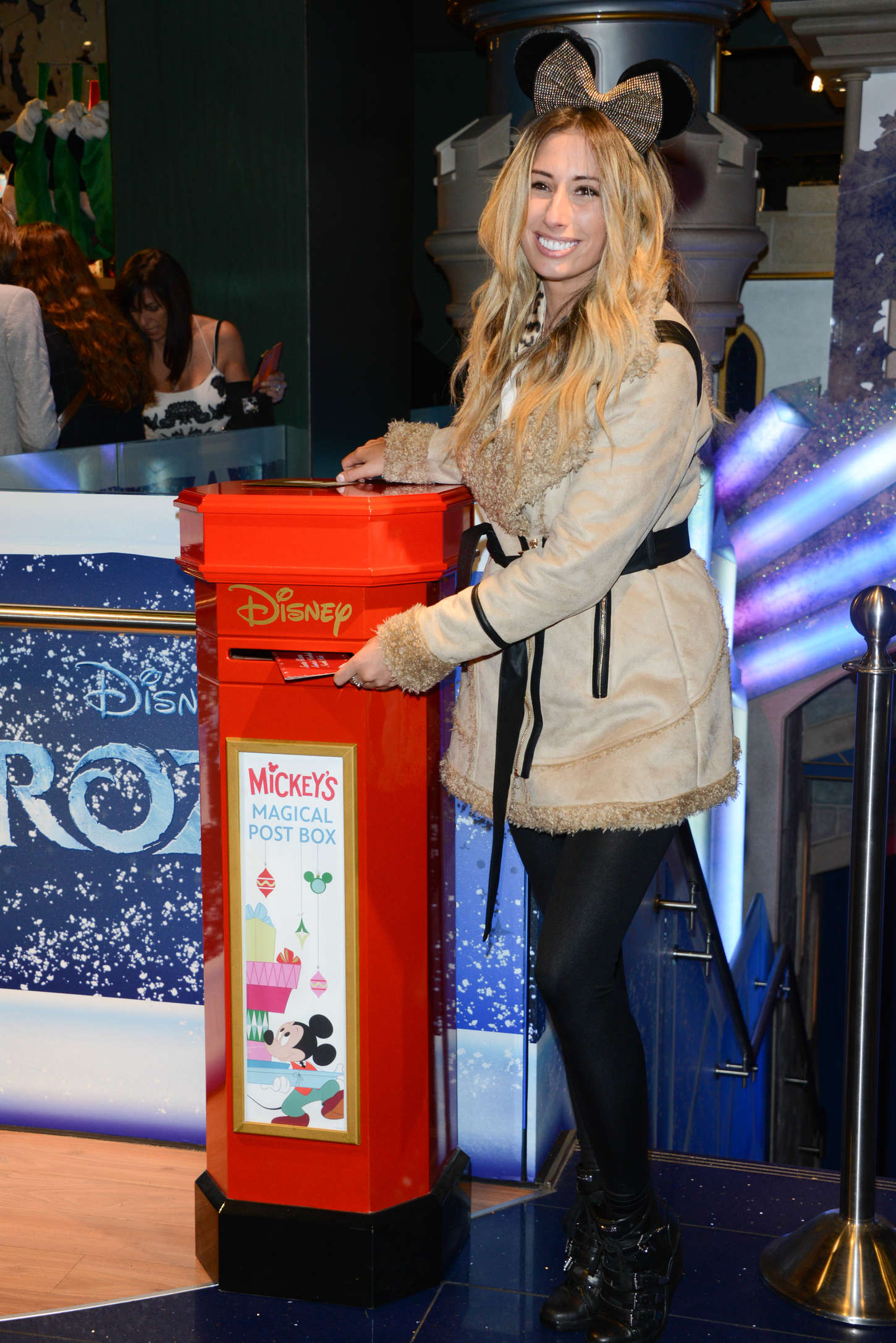 Stacey Solomon Share The Magic Christmas Charity Launch