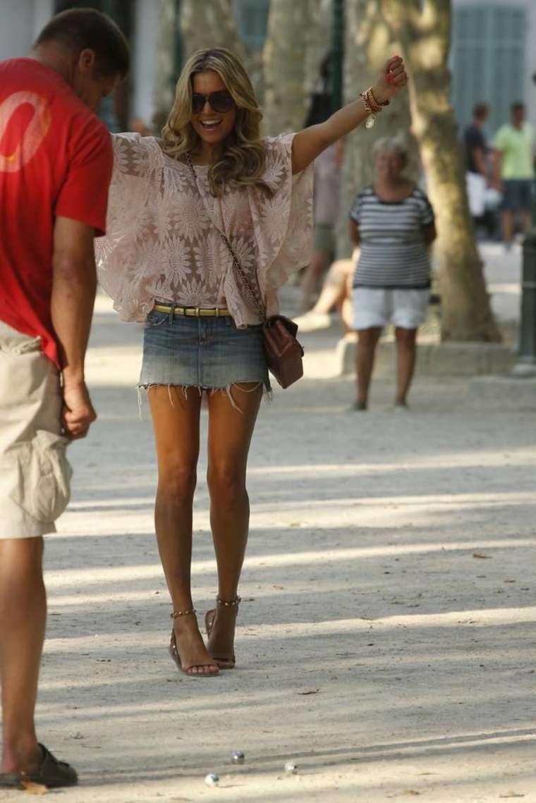Sylvie van der Vaart out in St Tropez