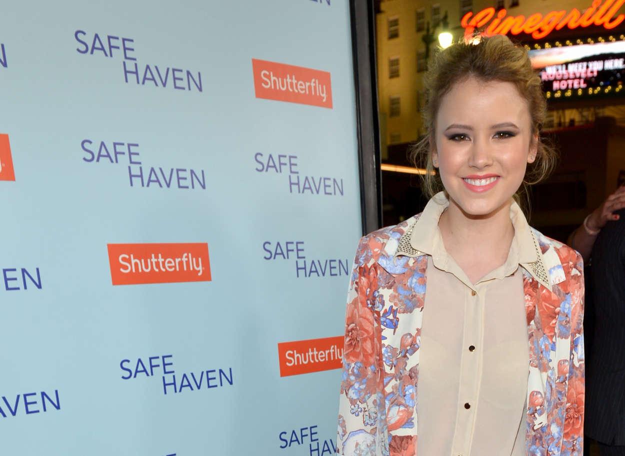 Taylor Spreitler Safe Haven Premiere in Hollywood