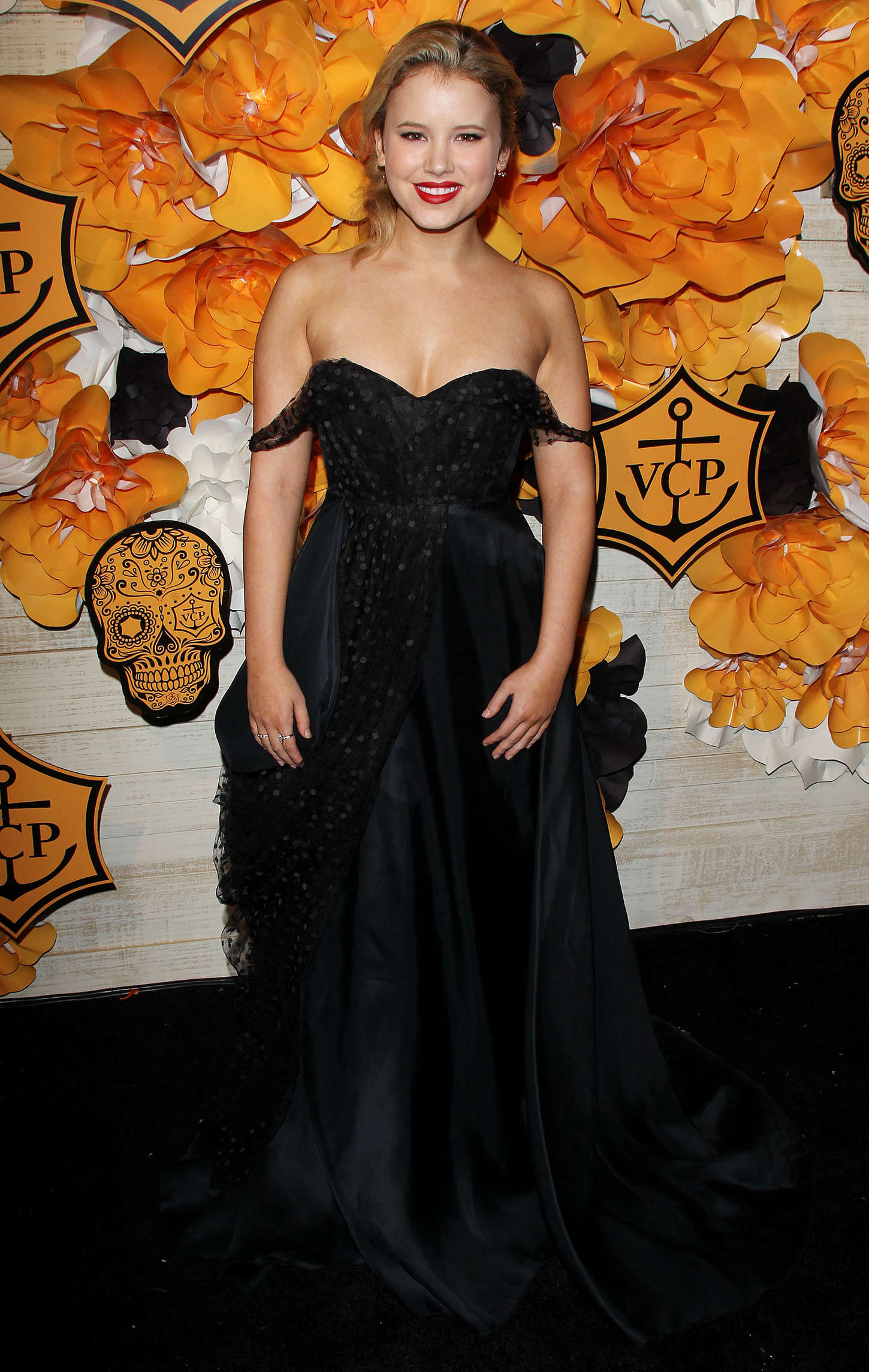 Taylor Spreitler UNICEFs Next Generations Annual Masquerade Ball in Los Angeles