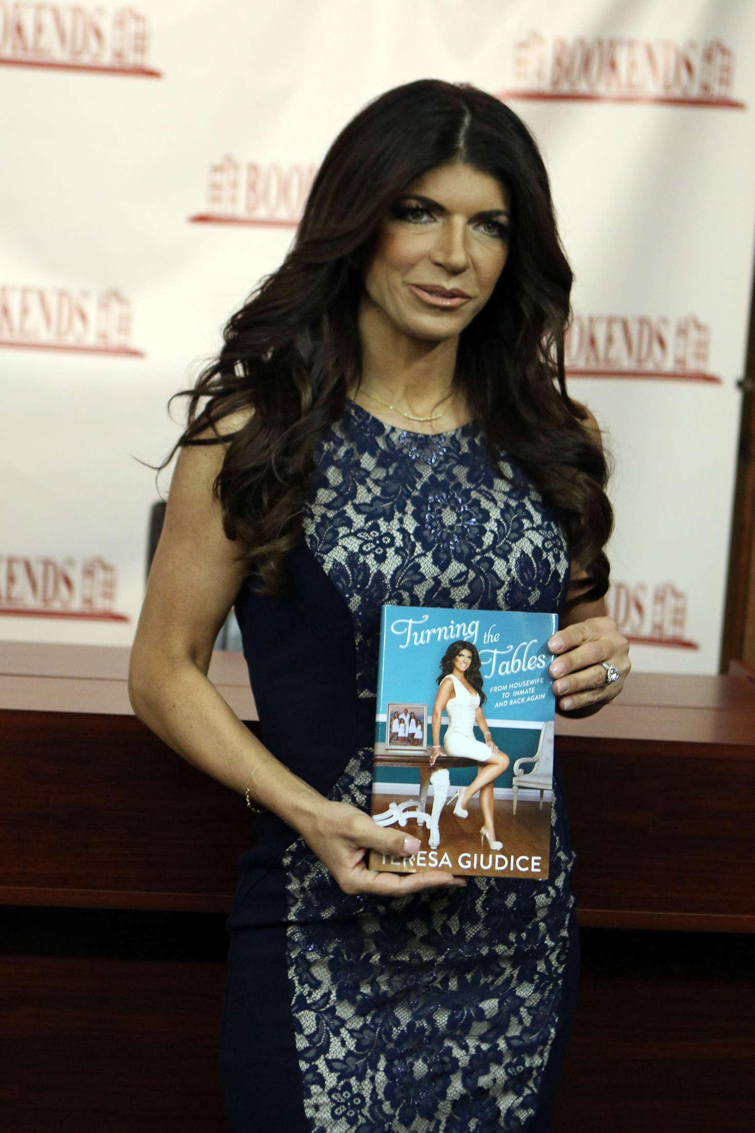 Teresa Giudice book signing in New Jersey