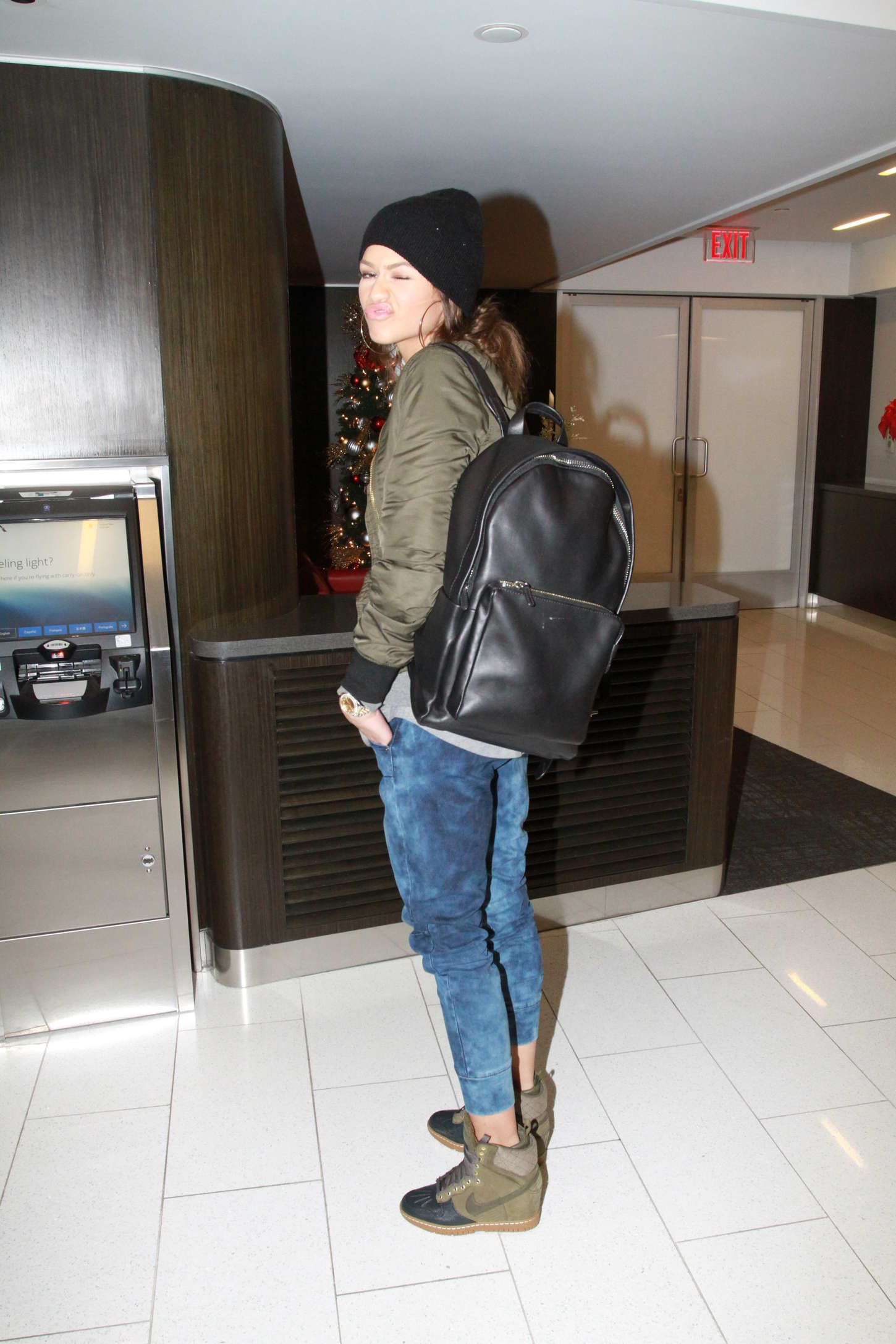 Zendaya Arrives at Los Angeles International Airport